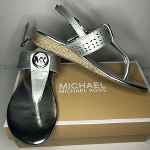 New In Box Michael Kors Sandals Girls